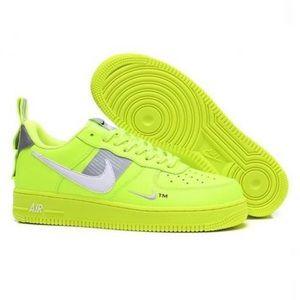 Nike Mens Air Force 1 '07 LV8 Utility US 10 no box